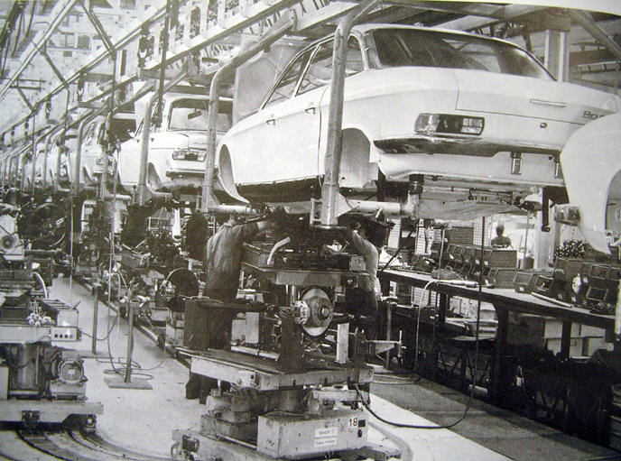 Ro80hangendfabriek.jpg
