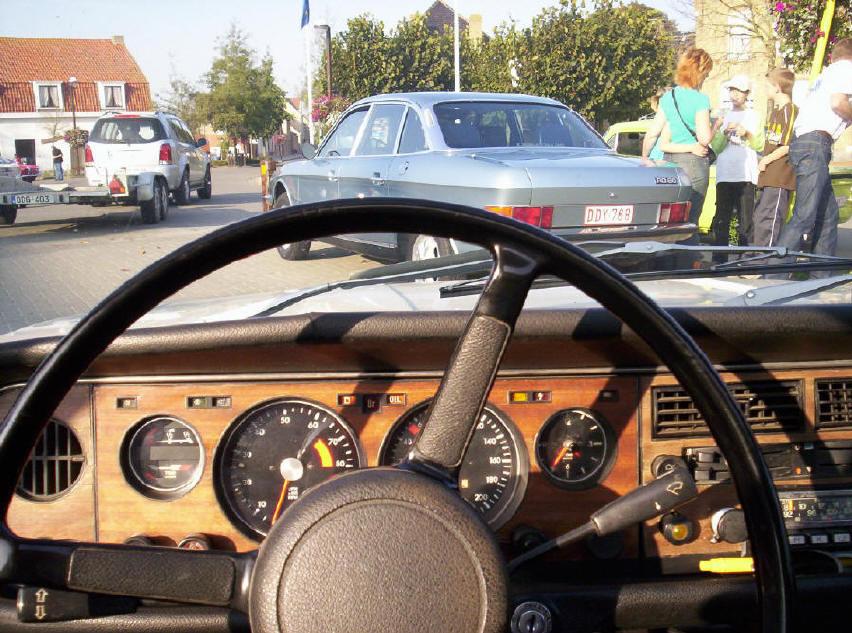 Hier de ro 80 met het houten dashboard om deze foto te maken heb